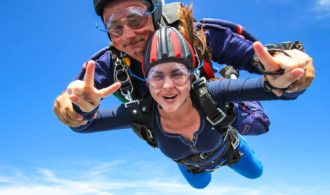Skydives - Enjoy Skydiving Without Any Fear
